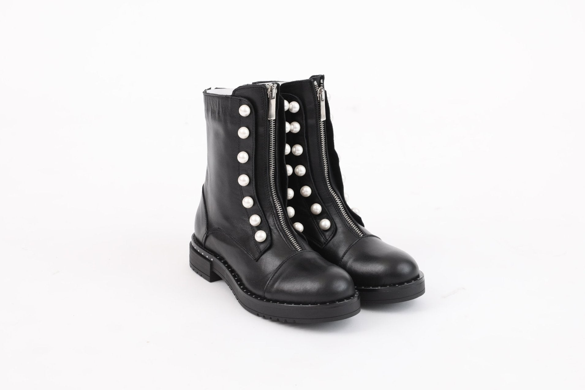 Leather Boots With Pearl