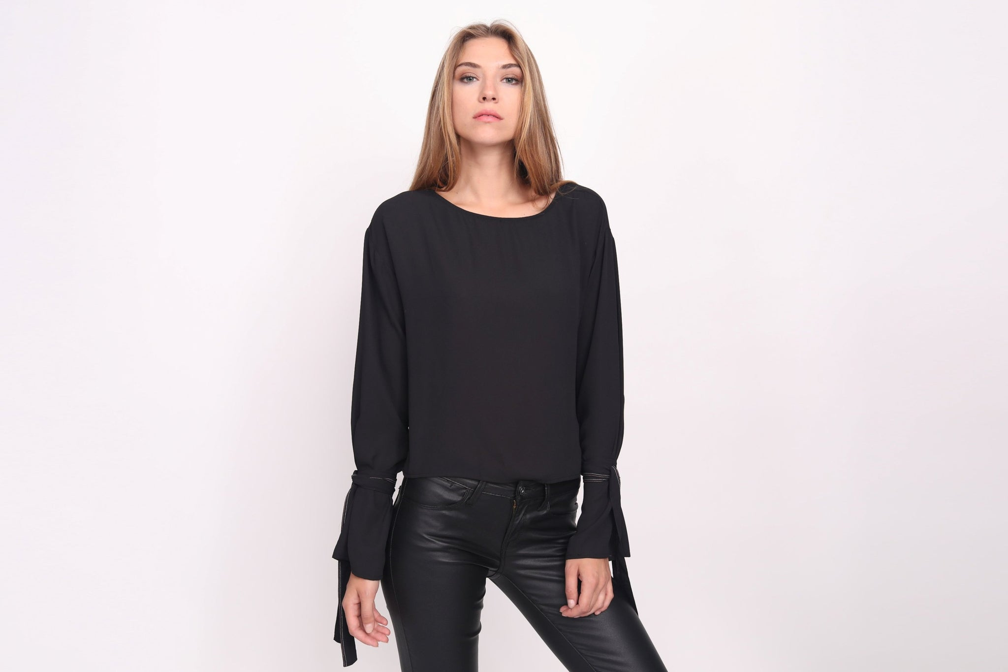 Thread Detail Tie Sleeve Top