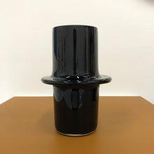 Load image into Gallery viewer, Solid Black Pipe Vessel