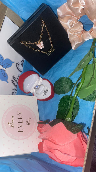 3pc ring,necklace and scrunchie gift box - Butterfly Centric