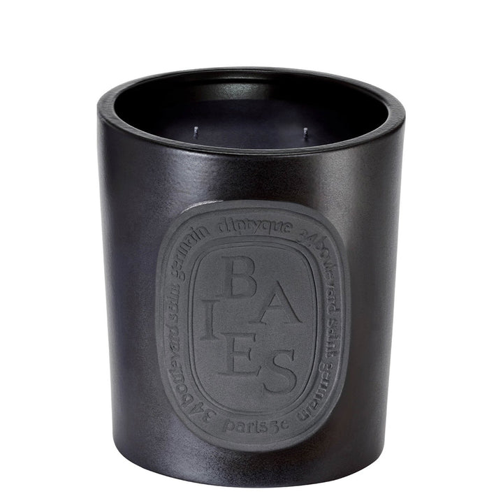 diptyque - Giant Scented Candle Baies - escentials.com