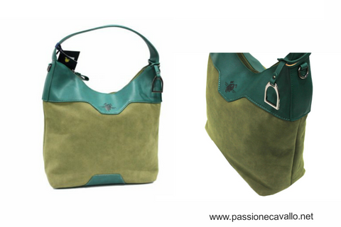 Borsa Lavanda: Dimensioni in cm: altezza 30: larghezza 33, spessore 15, altezza totale 50, realizzata in similpelle dispone di apertura con zip, 3 taschini interni, tracolla supplementare, trattasi di prodotto originale Harvey Miller.
