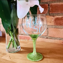 Load image into Gallery viewer, Personalised Age Related Glitter Balloon Gin Glass