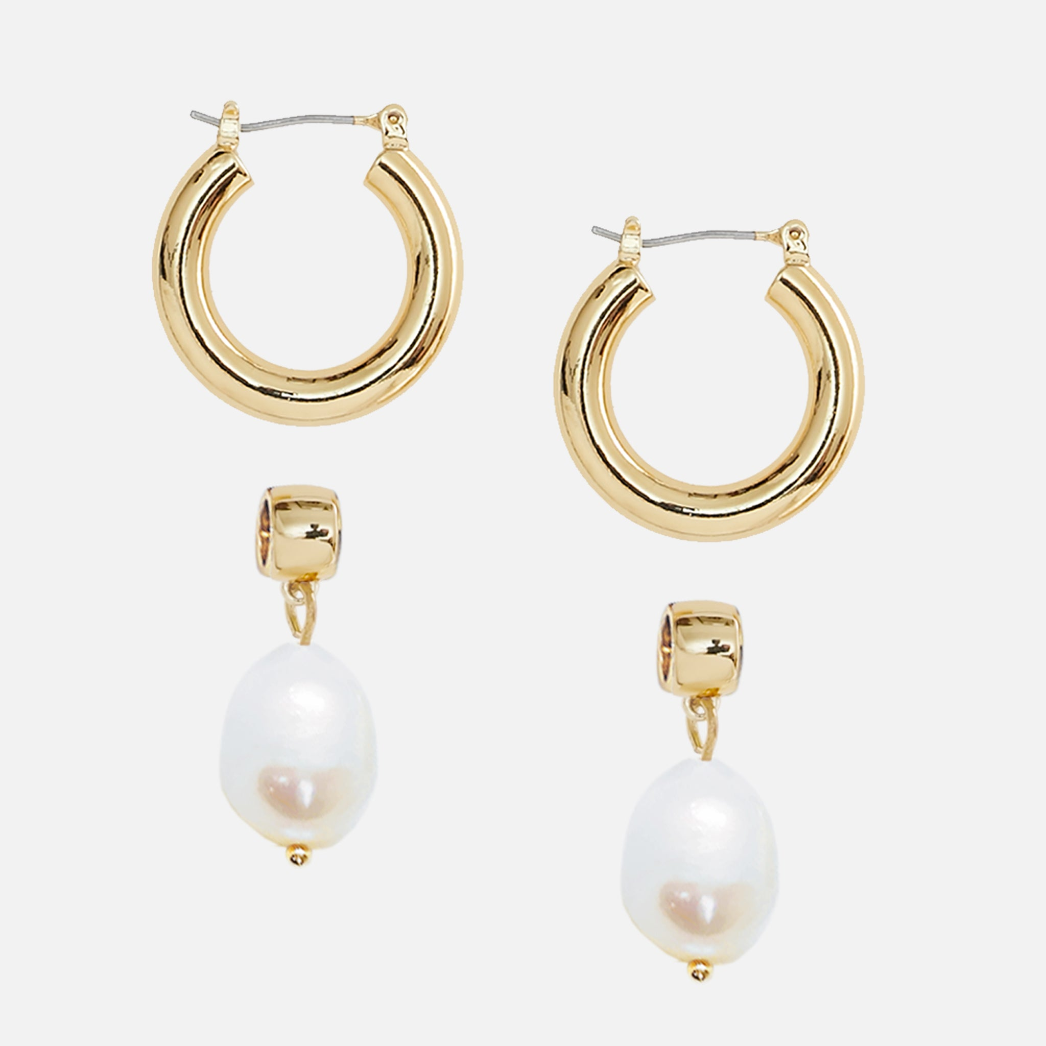 North North North Gold Pearl Earrings | Johnny Earring Gold