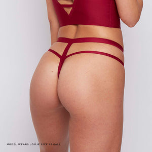 This caged wine red thong benefits from smoothness throughout, no VPL from the bonded seams and contemporary design.