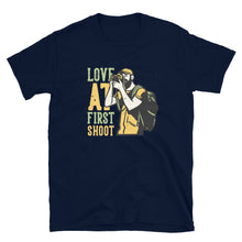 Afbeelding in Gallery-weergave laden, Love At First Shoot - T-shirt met korte mouwen, heren