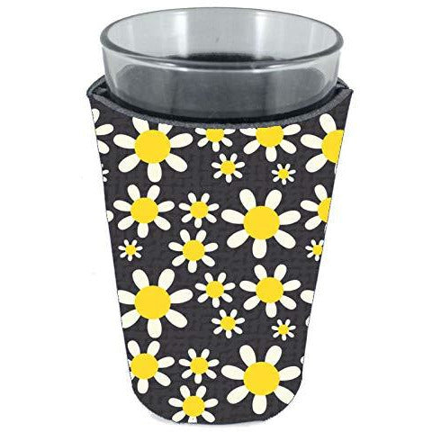 pint glass koozie with daisy flowers pattern design