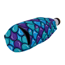 Load image into Gallery viewer, Fish Scale Pattern Beer Bottle Coolie
