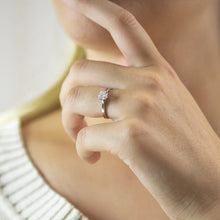Load image into Gallery viewer, Tali Solitaire Diamond Engagement Ring