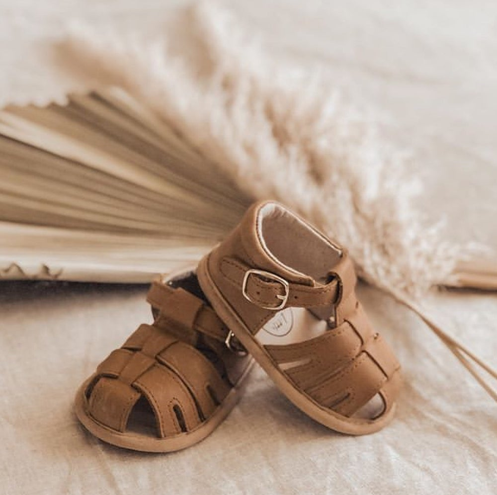 Zoe Wax Leather Sandal - Brown