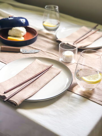 Linen placemats and table runner in Cappucino colour