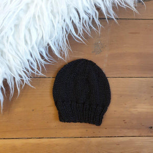 Open image in slideshow, Newborn handmade beanies (multiple colours) - Hatchling NZ