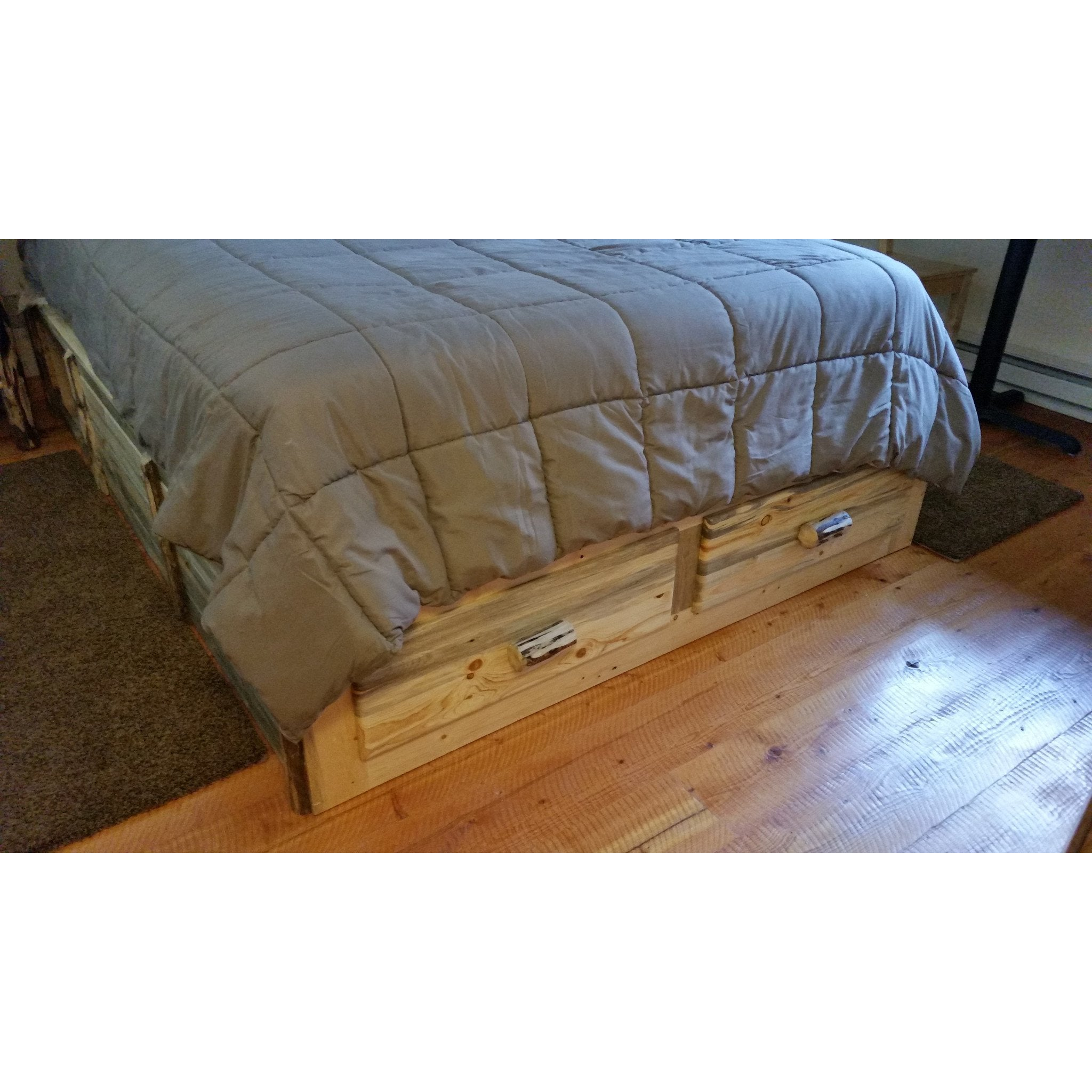 Montana Pioneer Rustic Log Platform Bed With 2 Drawers Great