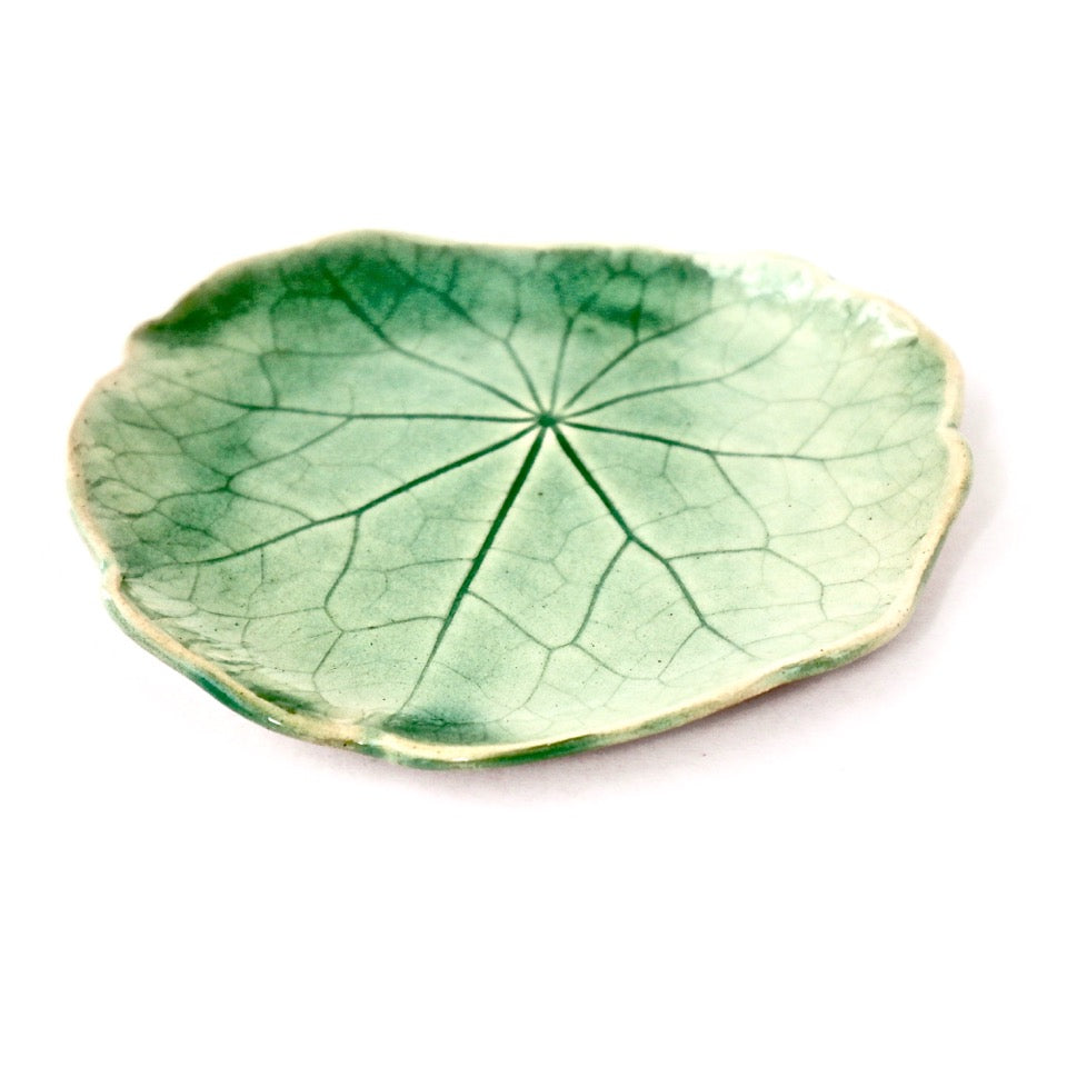 Ceramic Leaf – Nasturtium Medium (Sage)