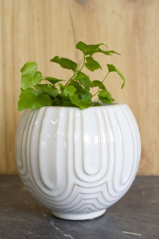 SALIDA PLANTER POT WHITE SMALL