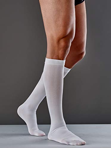 Futuro Anti-Embolism Knee Highs, Unisex, Moderate Compression, 18 mm/Hg, Helps Reduce Formation of Blood Clots