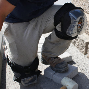 867-00 GEL-PRO Articulating Kneepads are built using a solid injected polyurethane and GEL insert to provide comfortable knee cushioning to the delicate patella bone. The Enlarged outer shell with articulating feet grips the surface you are kneeling on to provide excellent stability.