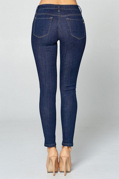 Special A Mid Rise Skinny Jeans  Modelo P7039D