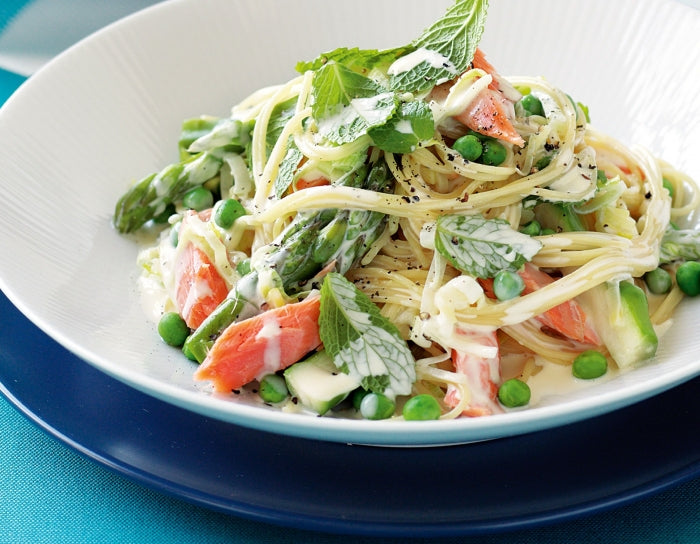 Angel hair pasta with salmon, peas and mint