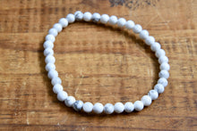 Load image into Gallery viewer, Howlite Bracelet (4mm)