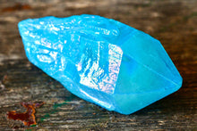Load image into Gallery viewer, Aqua Aura Quartz Point