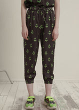 Load image into Gallery viewer, Printed cropped pants