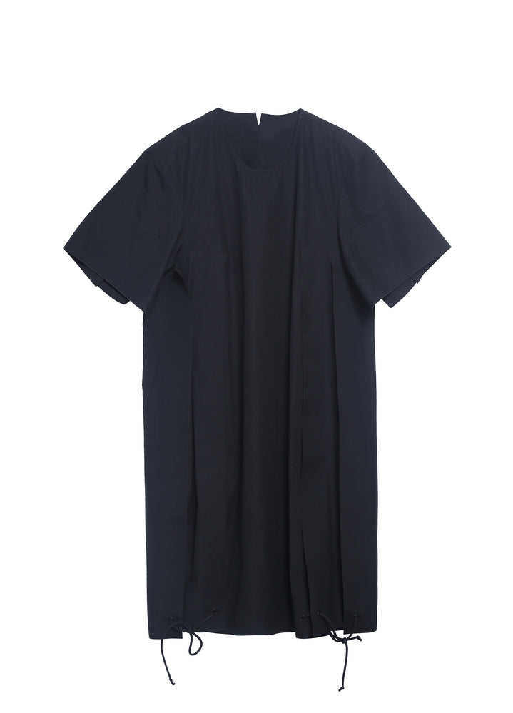 Short-sleeved dress in a changeable condition