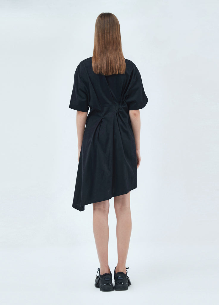 Round-neck ribbon dress