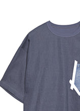 Load image into Gallery viewer, Round neck T-shirt with denim stitching pocket