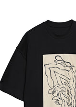 Load image into Gallery viewer, Round neck T-shirt with abstract pattern