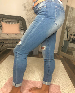 Kan Can High Ripped Knees Ankle Skinny Jean