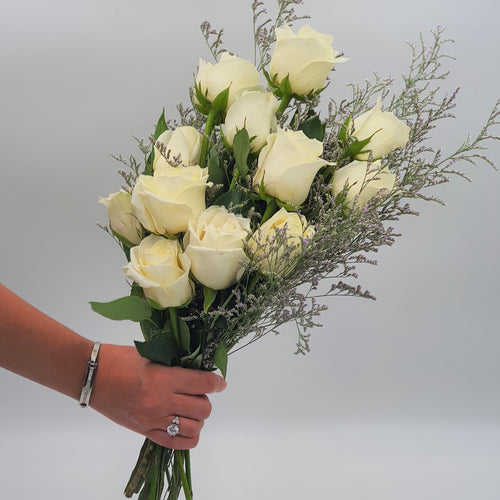 Flowers Bunch of White Roses - mabrook.me