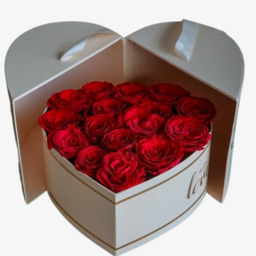Flowers Red Roses in a Heart Gift Box - mabrook.me
