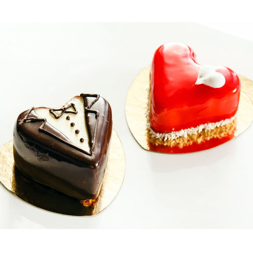 Cake Mr. & Mrs. Hearts - Set of 2 Mono Cakes - mabrook.me