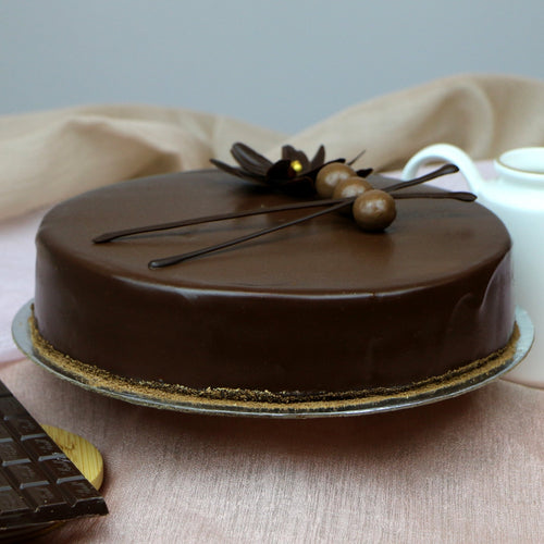 Chocolate Truffle Cake - mabrook.me