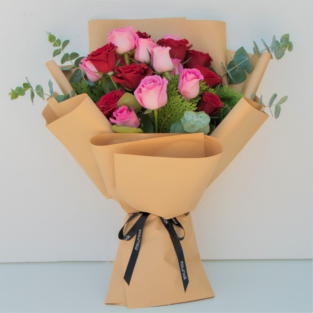 Flowers Bouquet of Pink & Red Roses - mabrook.me