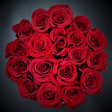 Load image into Gallery viewer, Round Box of Roses - mabrook.me