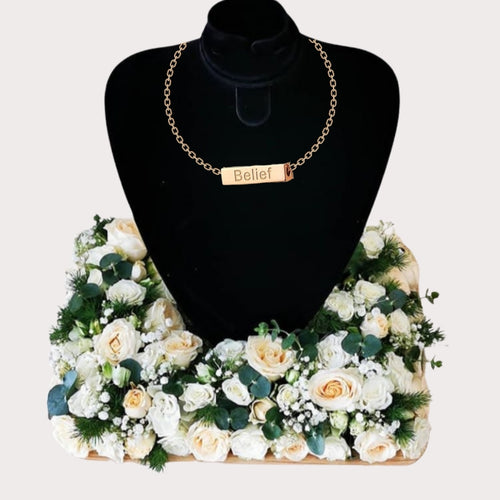 Flowers The Recipe of Love - Roses and Horizontal Bar Necklace - mabrook.me
