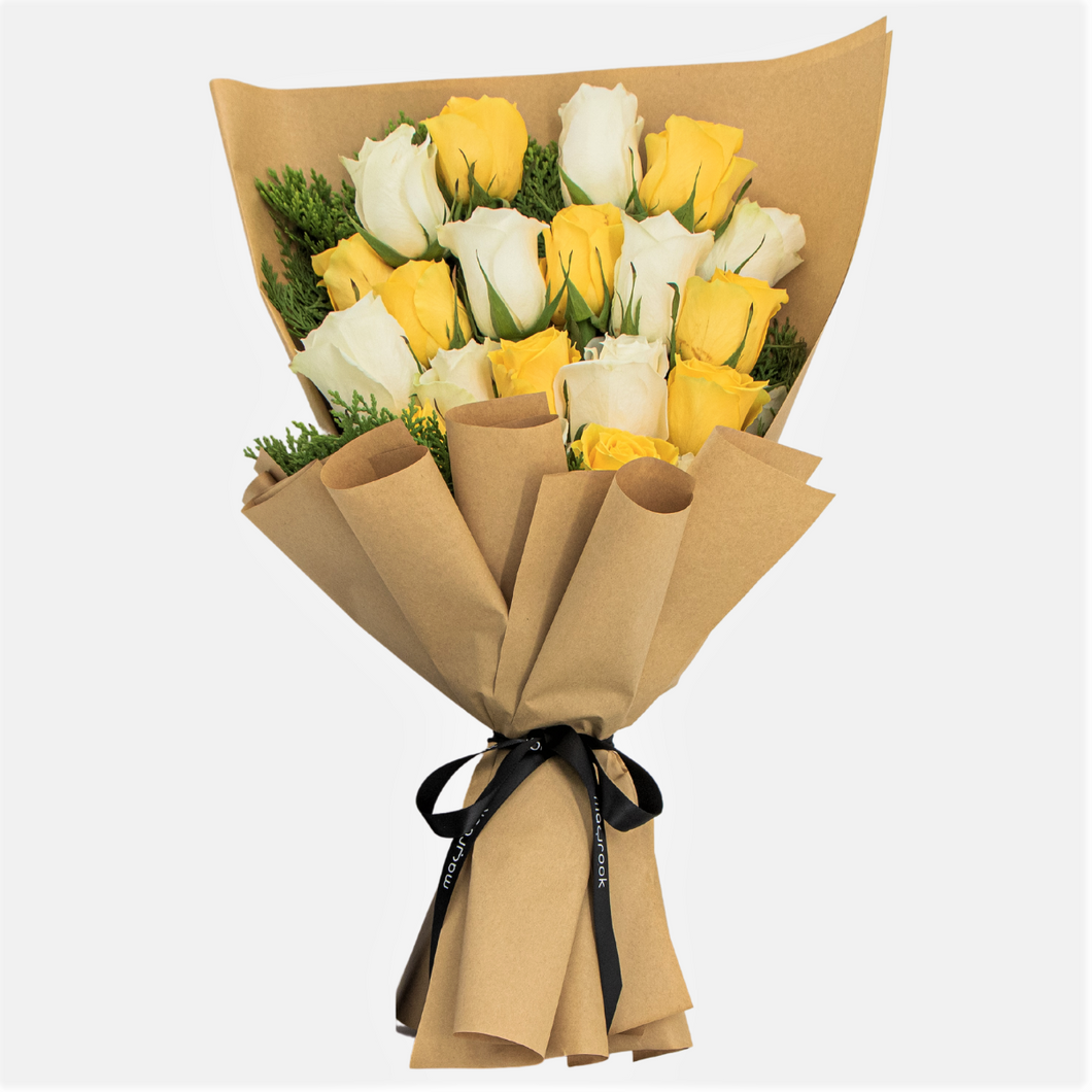 Flowers Bouquet of Yellow & White Roses - mabrook.me