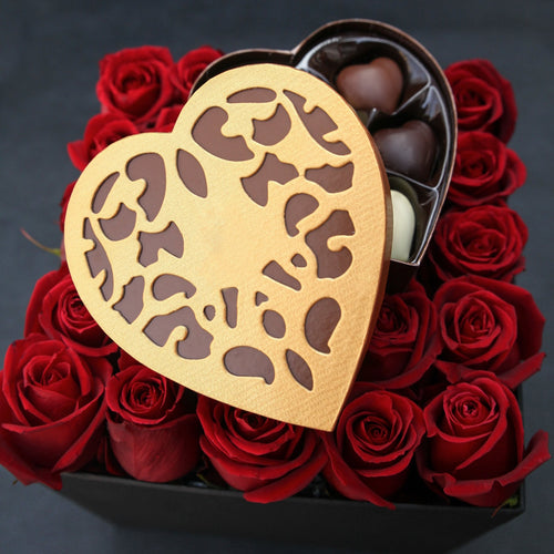 Flowers Box of Roses and Godiva Chocolates - mabrook.me