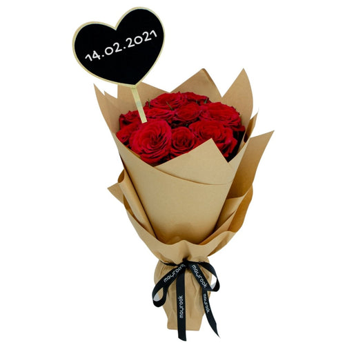 Flowers Bouquet of Red Roses and a Message in Chalk - mabrook.me