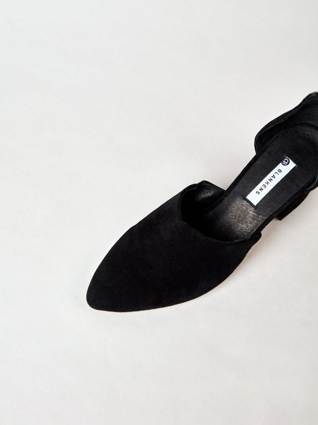 THE RIVERSIDE BLACK SUEDE