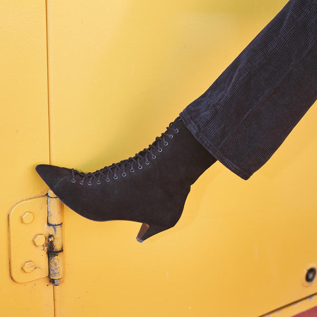Blankens boot The Vanessa laced. Affordable luxury made in Europe.