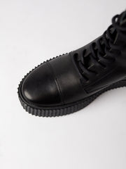Blankens The Camden black leather boot. Made in Portugal from vegetable tanned European leather. Affordable luxury - sustainable style!