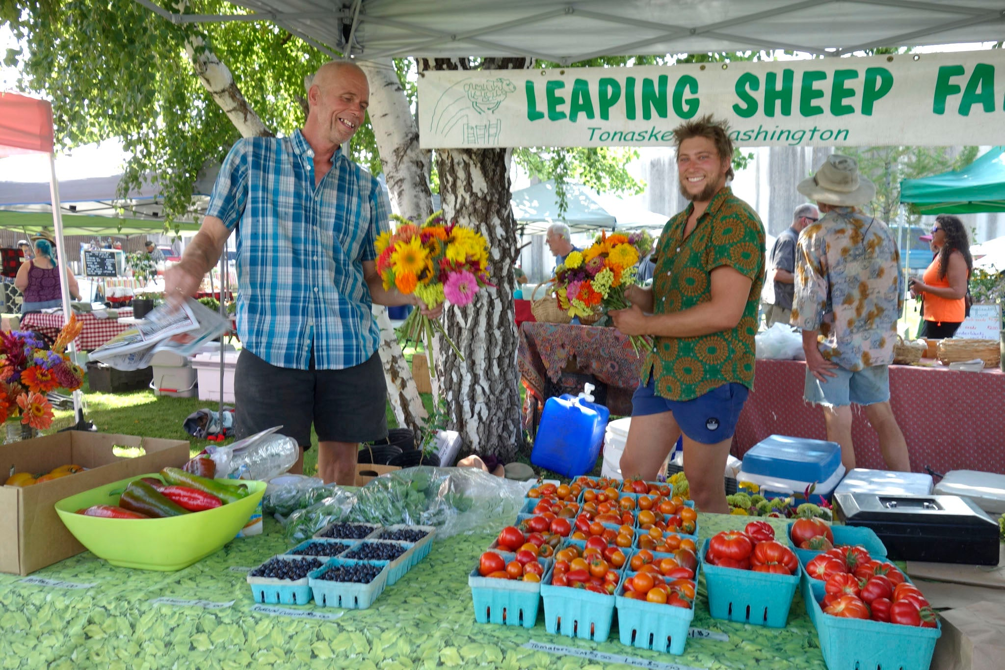 Ton and Bodie of Leaping Sheep Farm at the Tonasket Farmers Market