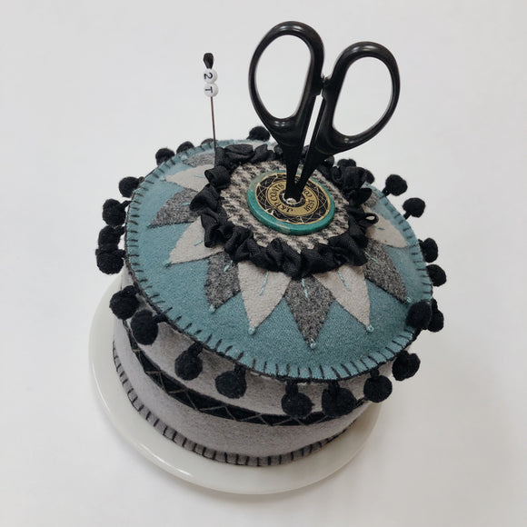 Pie Plate Wool Pincushion Kit