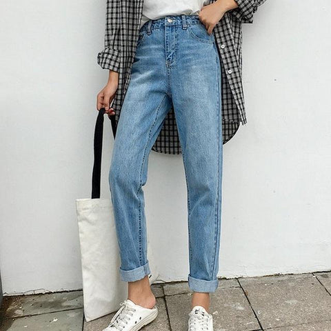 Classic High Waisted 90s Jeans