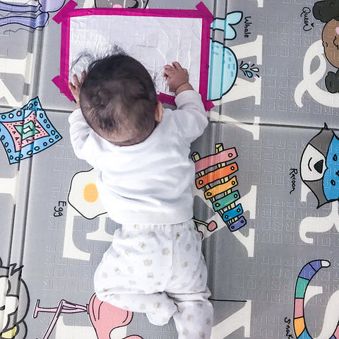 Regalo play mat with sensory activity