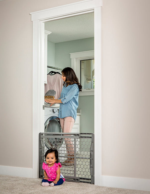 Expandable Plastic Baby Gate
