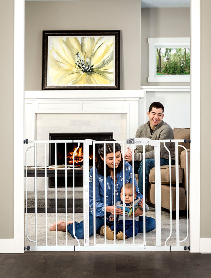 Easy Step® Extra Wide Safety Gate
